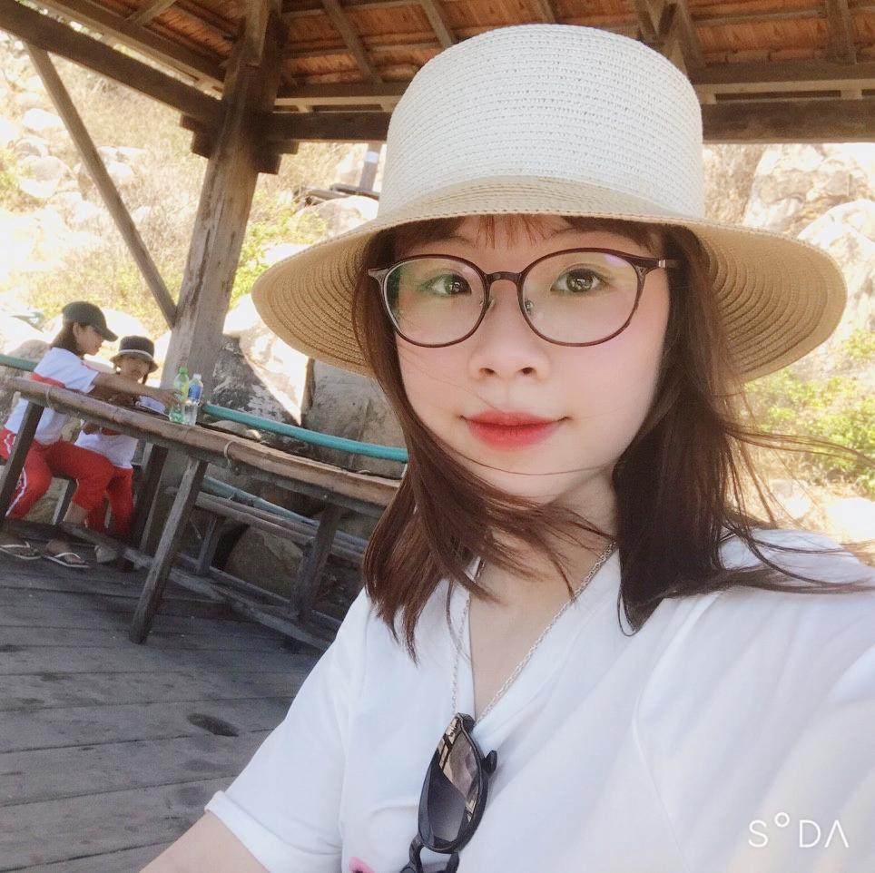 Ms Hoàng Thị Vân Anh